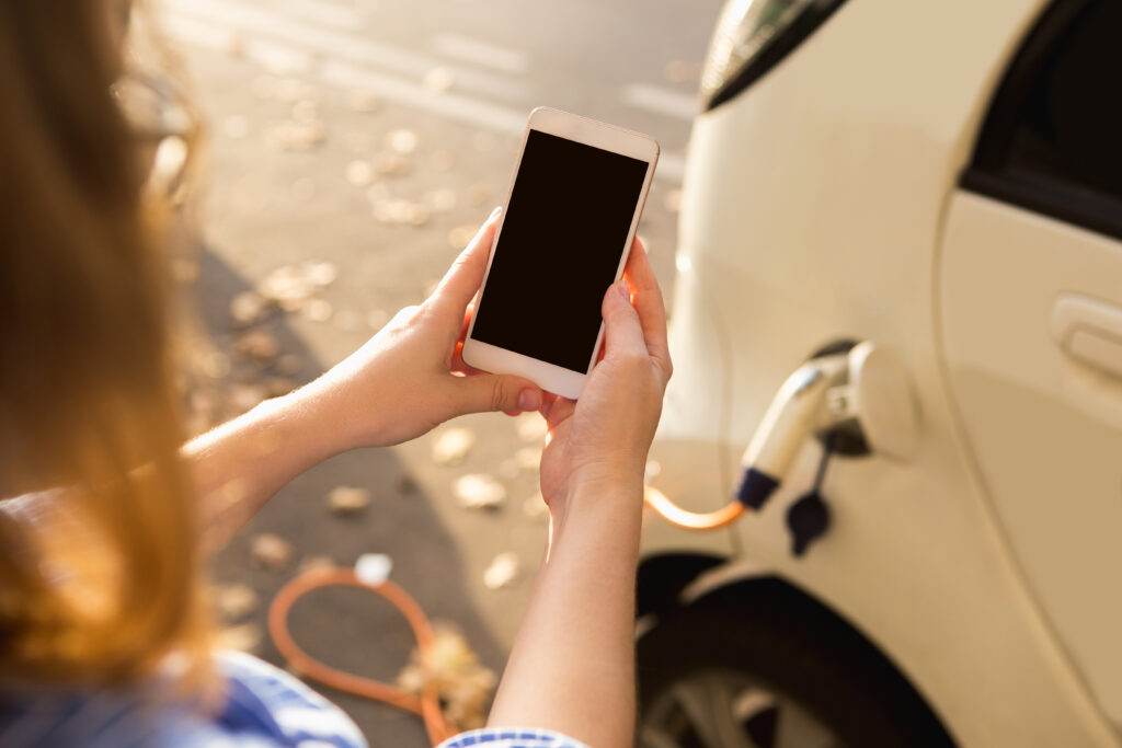 veicoli elettrici_carica_app