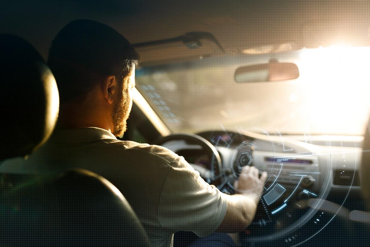 Nel 2020 il mercato delle Connected Car vale 1,8 miliardi di euro. Oltre un consumatore su tre possiede una funzionalità smart per l'auto